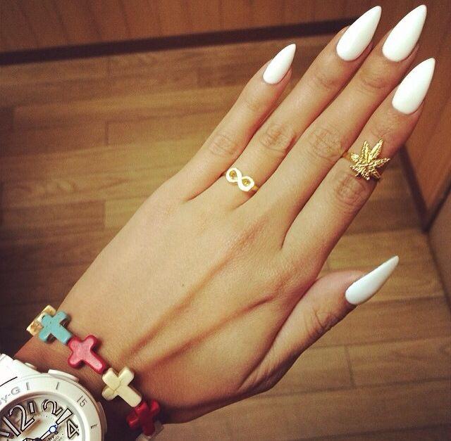 Λευκά νύχια για την άνοιξη - καλοκαίρι 2015