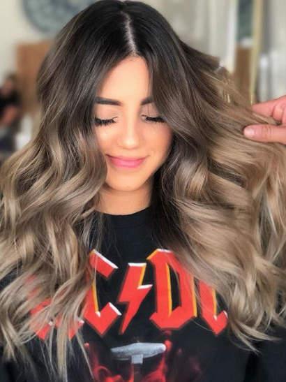 Ash blonde ombré ένα ακόμη trending χρώμα μαλλιών για το 2019