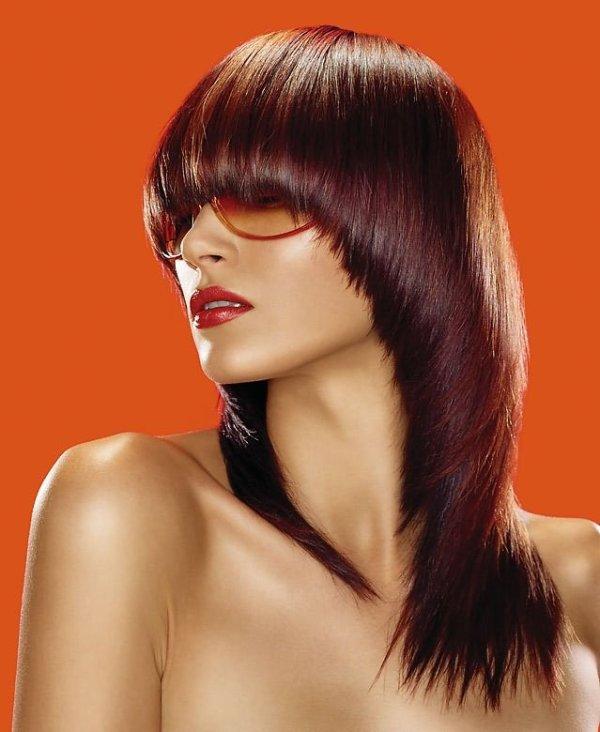 Το Pageboy haircut είναι φετινή τάση για τα γυναικεία κουρέματα Φθινόπωρο 2019 - Χειμώνας 2020