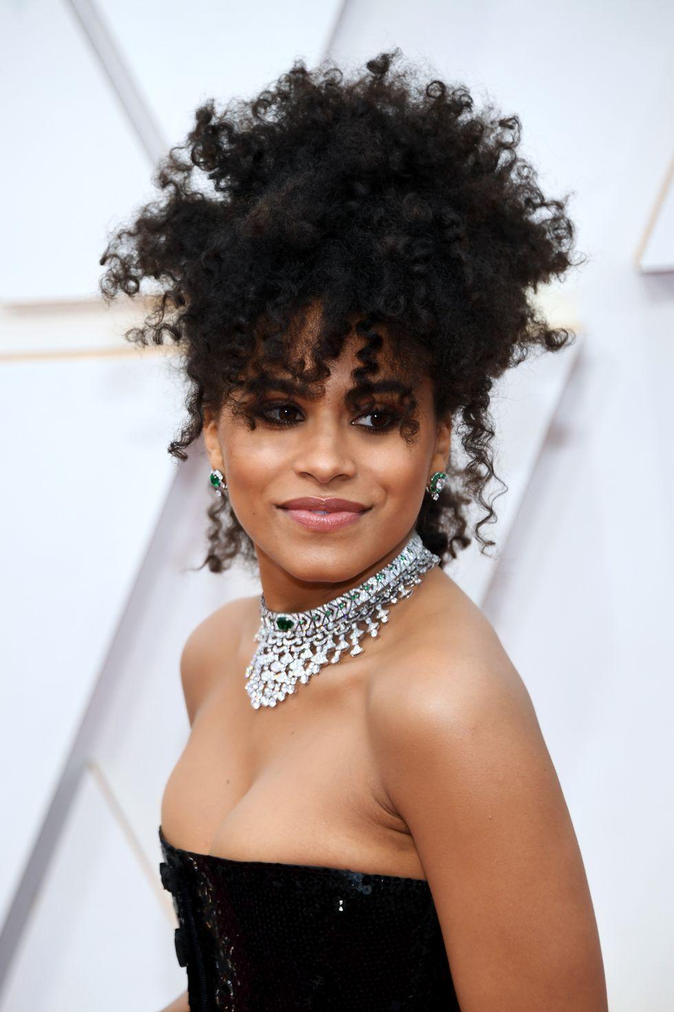 γυναικα μαυρο φυσικο σγουρο μαλλι oscars