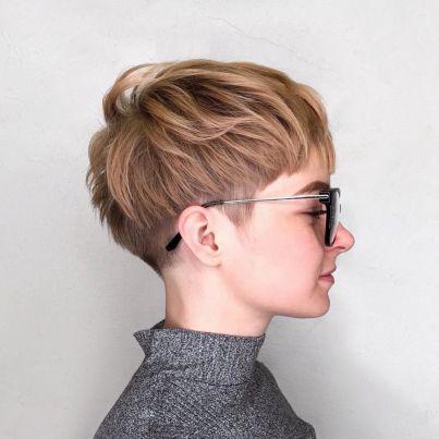 Χτενίσματα για Κοντά Μαλλιά Undercut Pixie